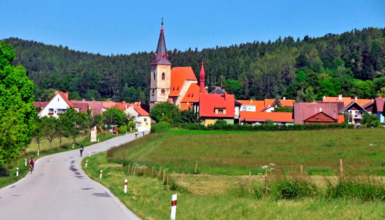 Bzaq-czechrepublic-biking-10